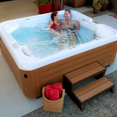 Hot Spring-Highlife-2014-Sovereign-Alpine White-Teak-Lifestyle-Couple-01