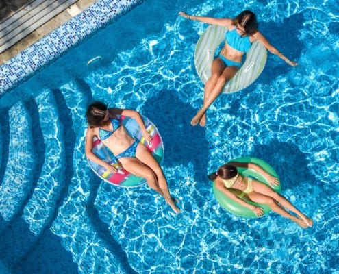 How to Have a Safe Pool Party During a Pandemic
